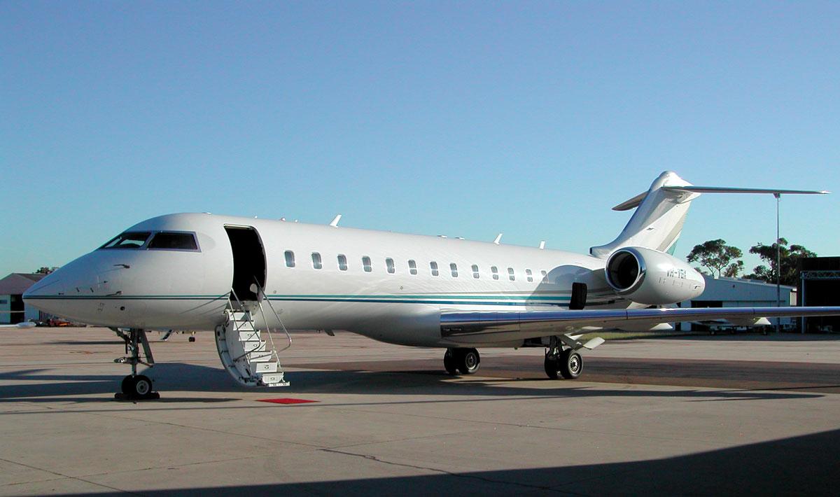 Global Express Jet awaiting passengers